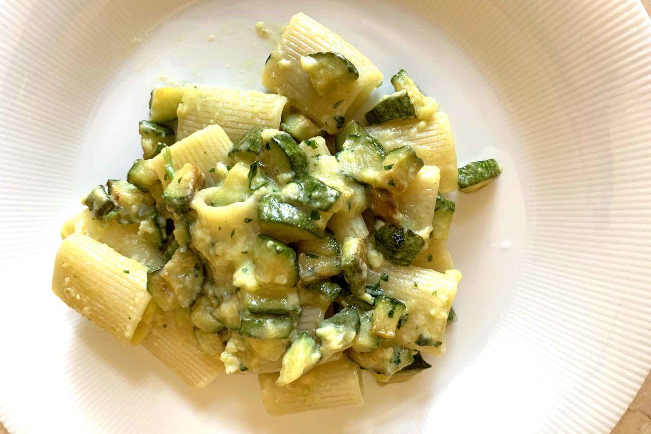 pasta carbonara e zucchine