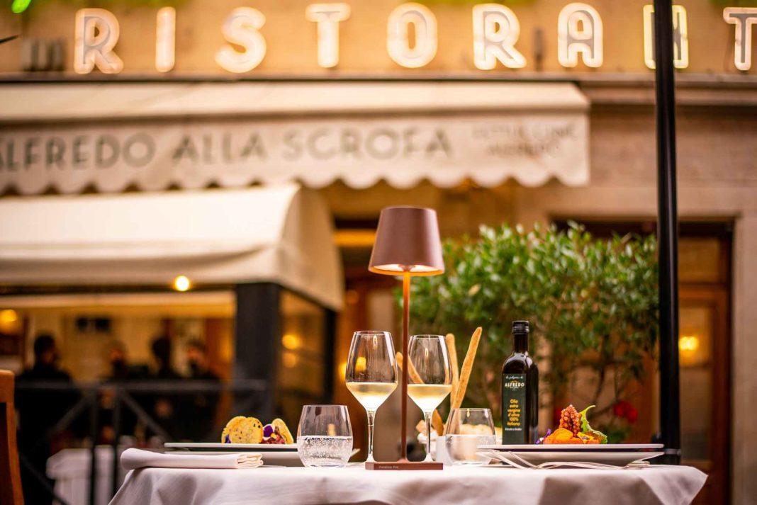 ristorante all'aperto a Roma