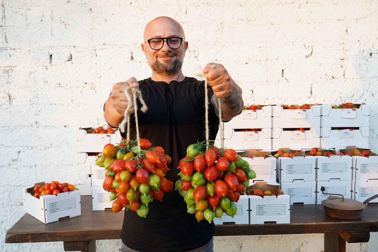 Giuseppe Pignalosa e il pomodorino del piennolo di Orto Vulcanico