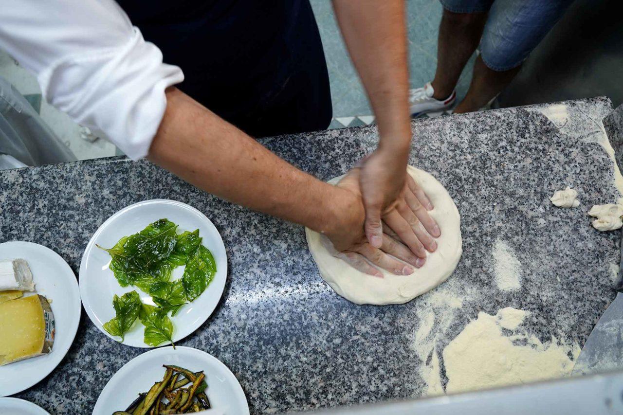 Peppe Cutraro stende la pizza contemporanea