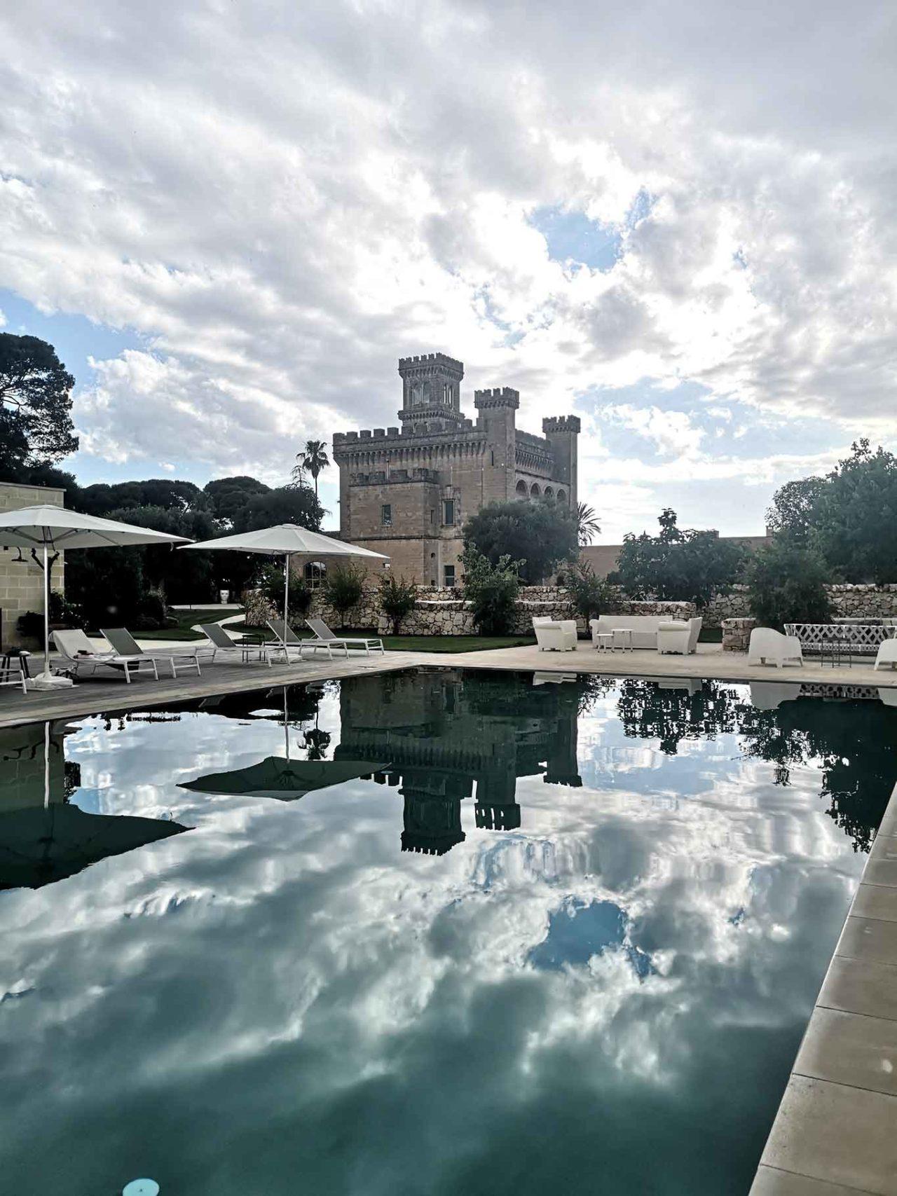 Vinilia Wine resort Manduria castello con piscina