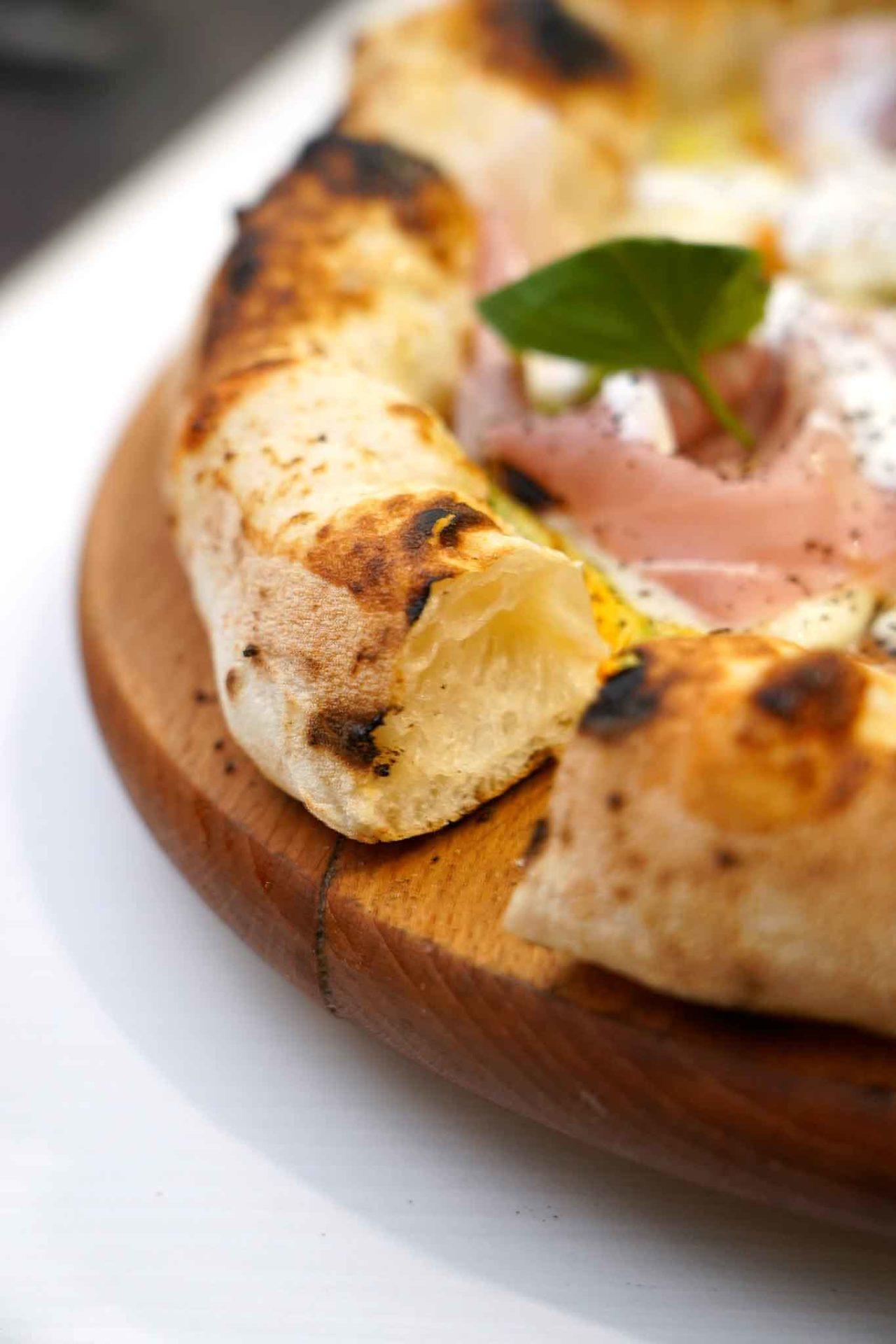 cornicione pizza oslo pizzeria I Fontana Somma Vesuviana