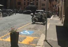 dehors o posto disabile armando al pantheon Roma