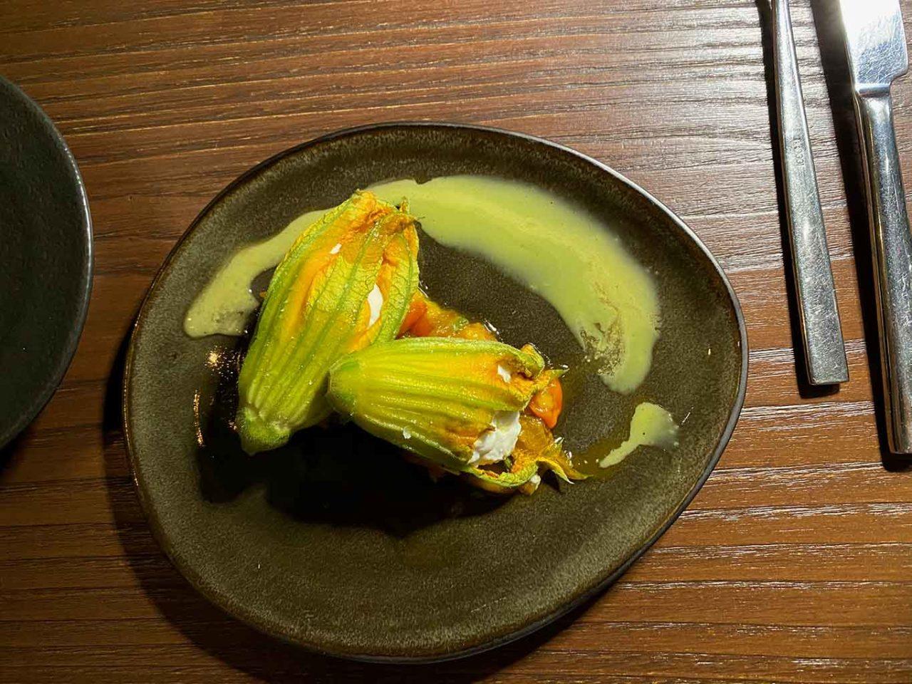 fiori di zucchina ripieni ricotta Sotto Sotto Milano