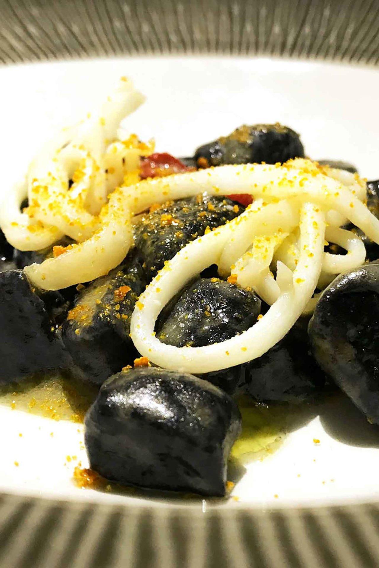 gnocchi di patate al nero di seppia