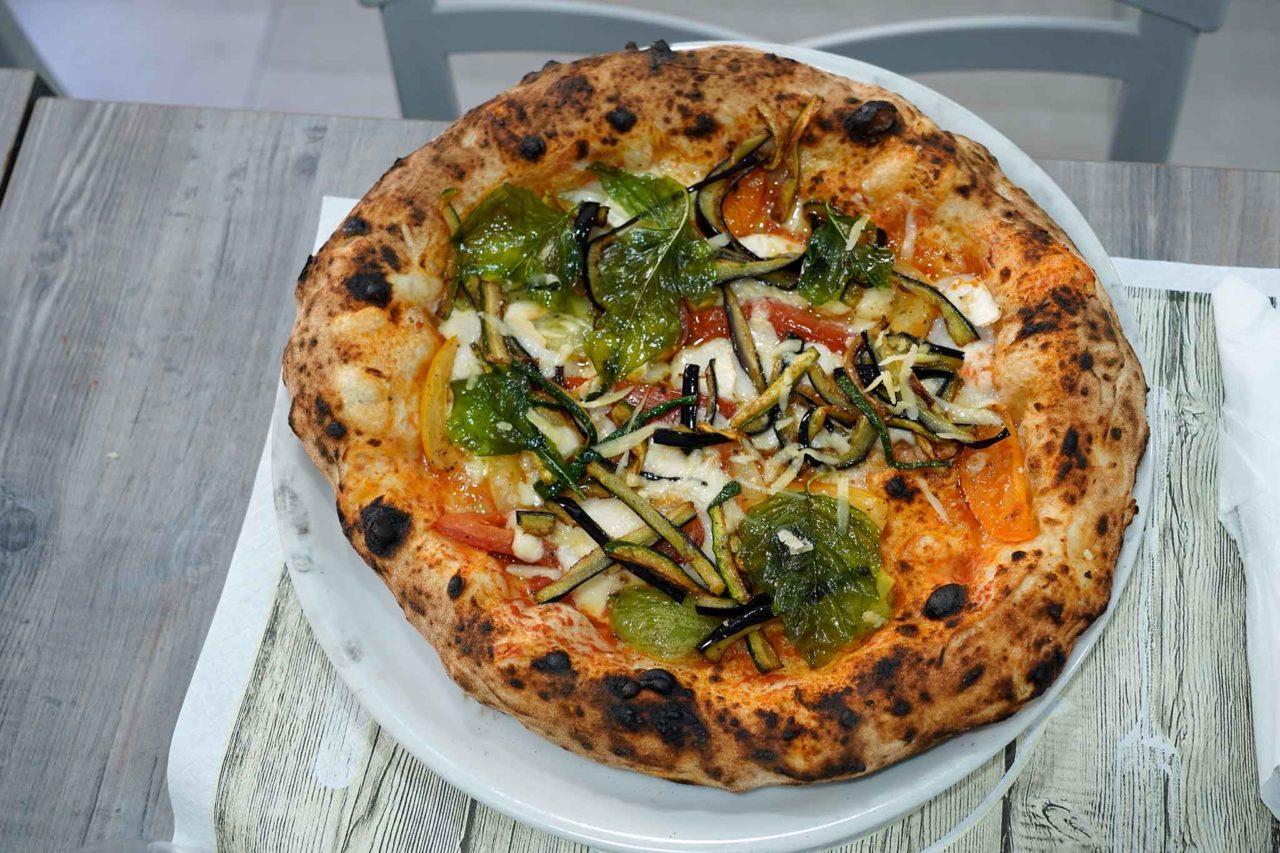 pizza Quarter Latin Cutraro