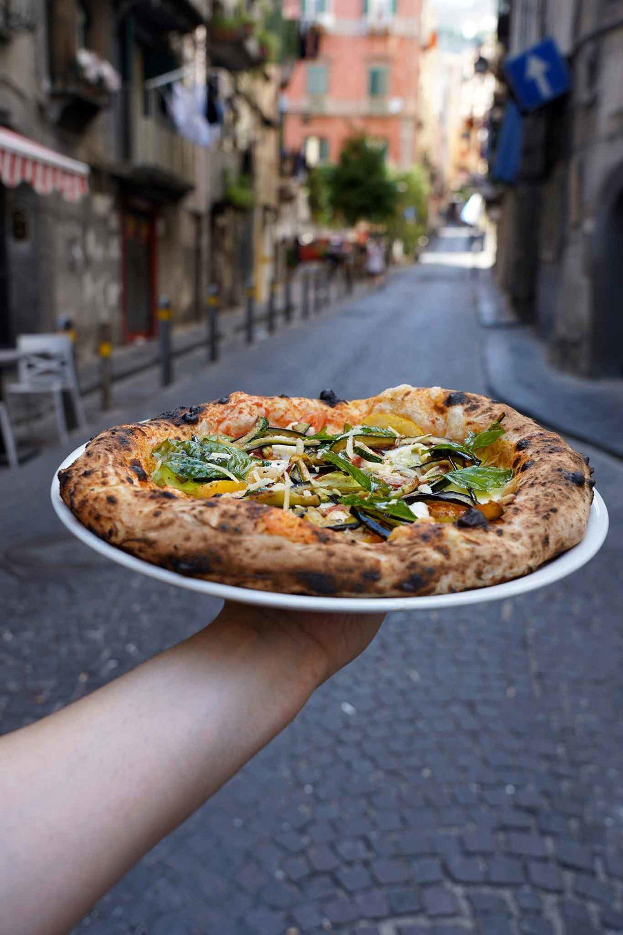 pizza Quartier Latin ai Quartieri Spagnoli