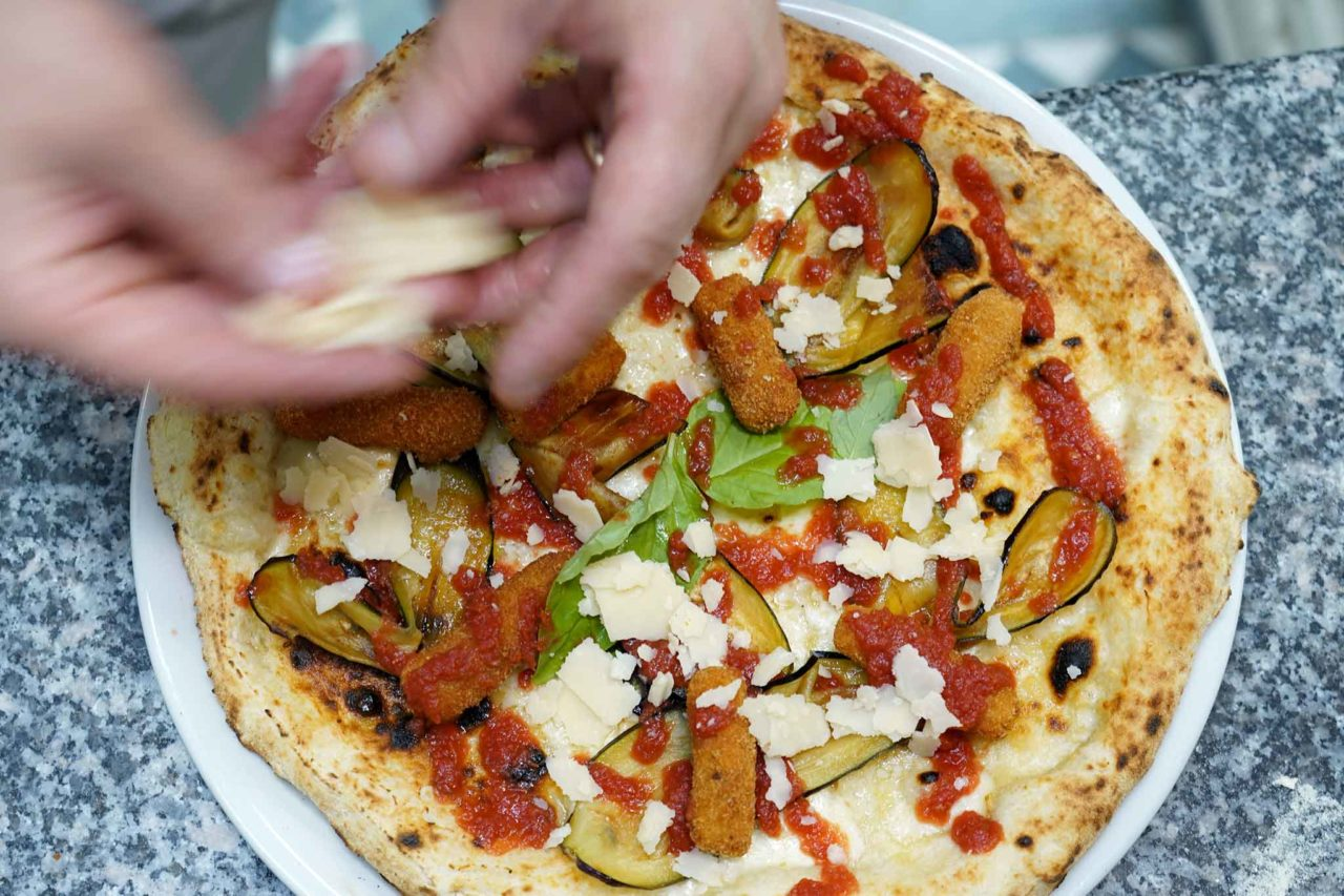 pizza Quartieri Spagnoli Nennella formaggio