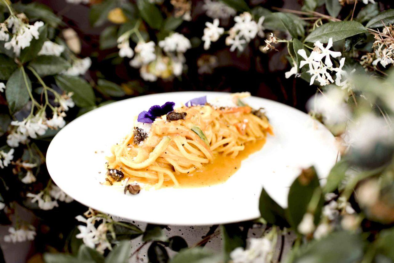 piatto di pasta estivo