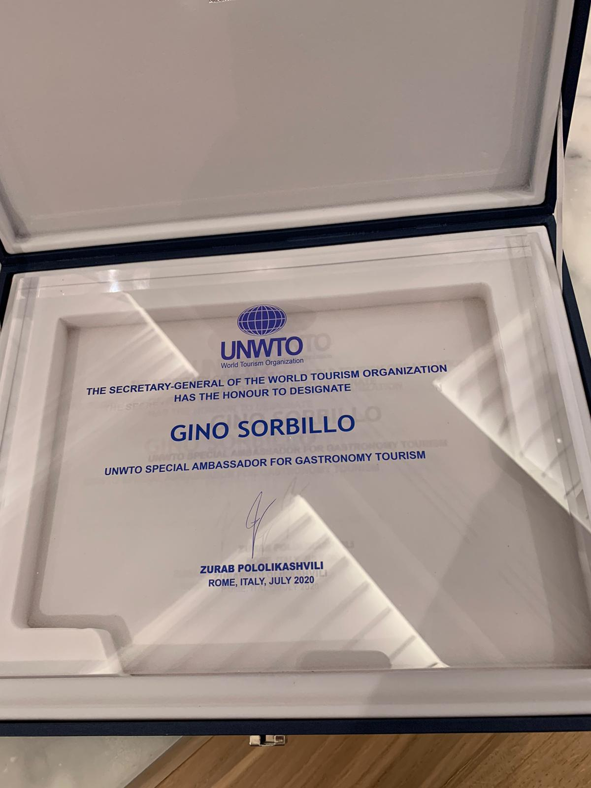targa Gino Sorbillo ambasciatore