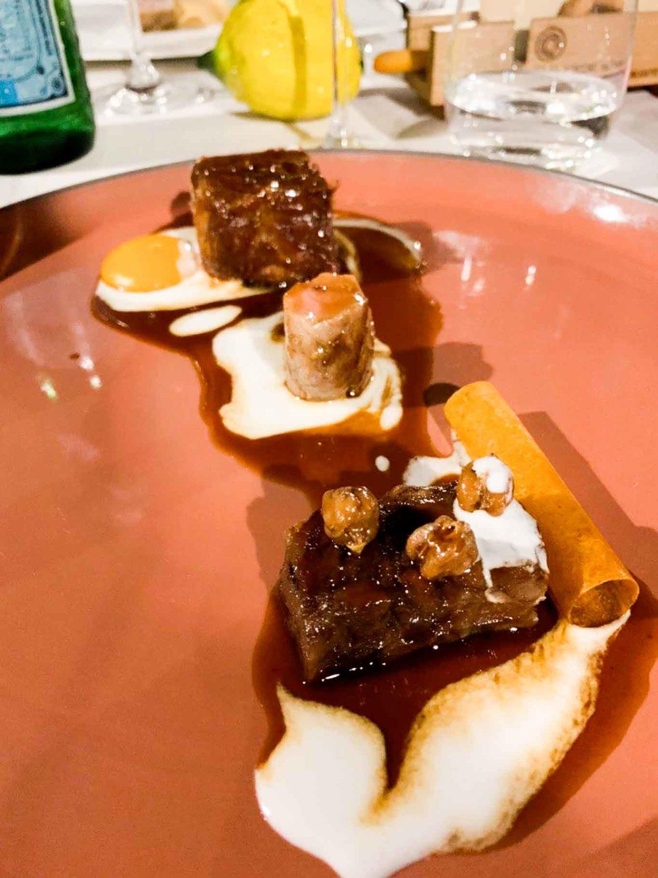 Casa Coloni ristorante Paestum maialino yogurt albicocche