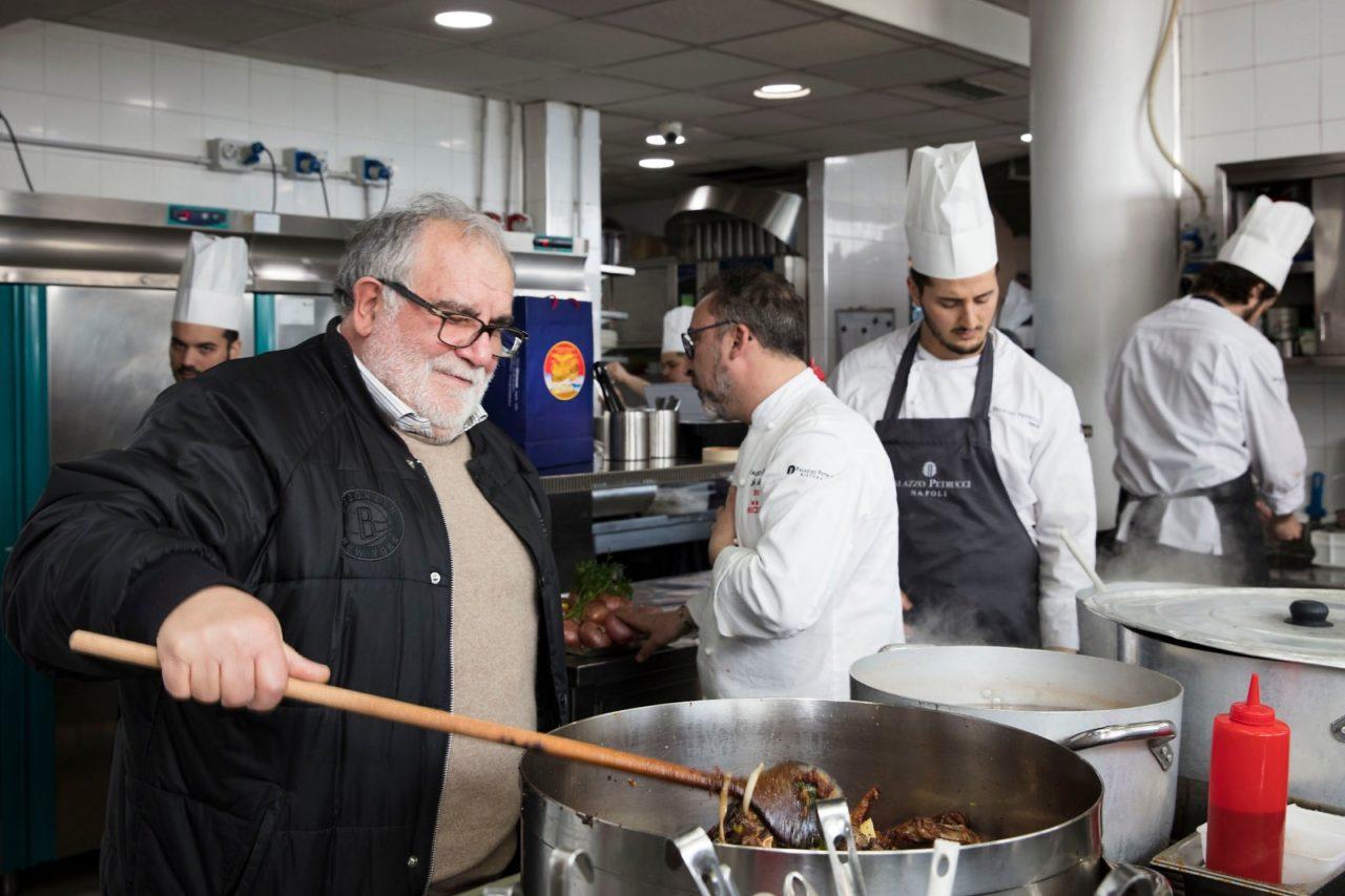 Giovanni Assante a Palazzo Petrucci cucina con Lino Scarallo