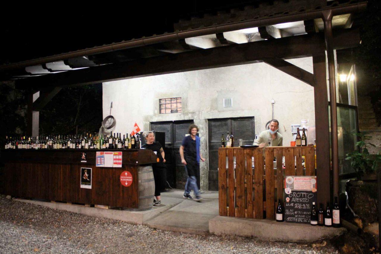 Grotto Grassi Mendrisio Svizzera bottiglie