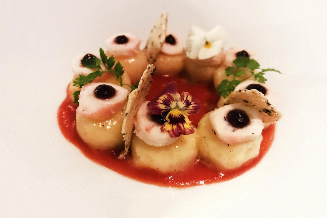 Lago di Garda ristorante Tancredi gnocchi polpo pomodori cipolla