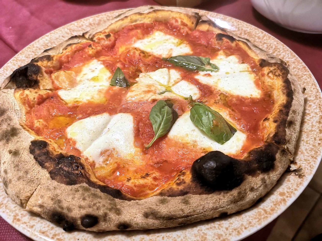 pizza margherita con bufala a Martina Franca