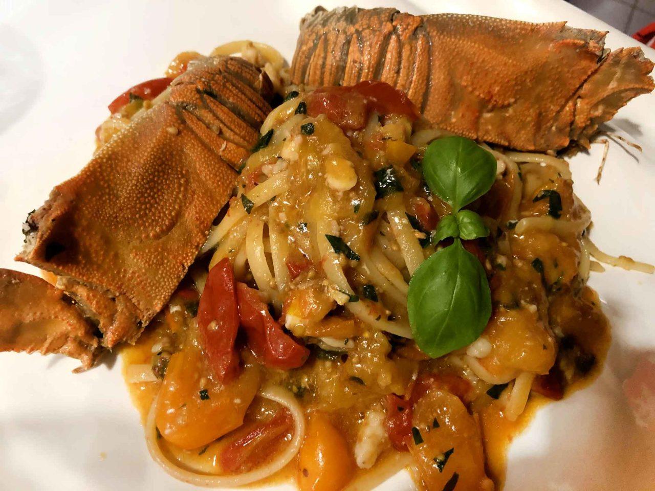 Street Stritt ristorante di pesce a Casal Velino Marina in Cilento linguine con cicale
