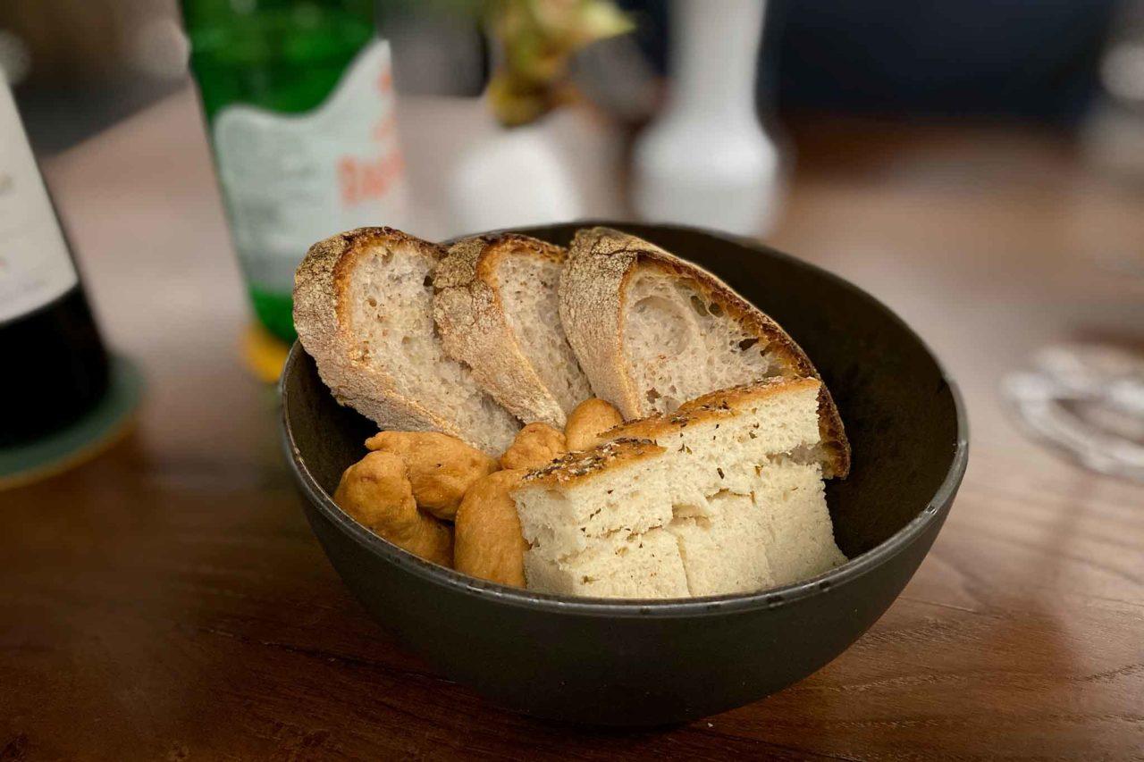Suscettibile ristorante cilentano Salerno pane