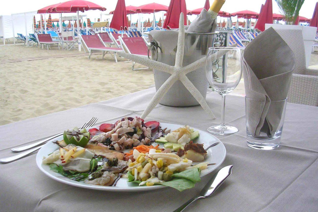 stabilimento con ristorante di mare - Adriatico