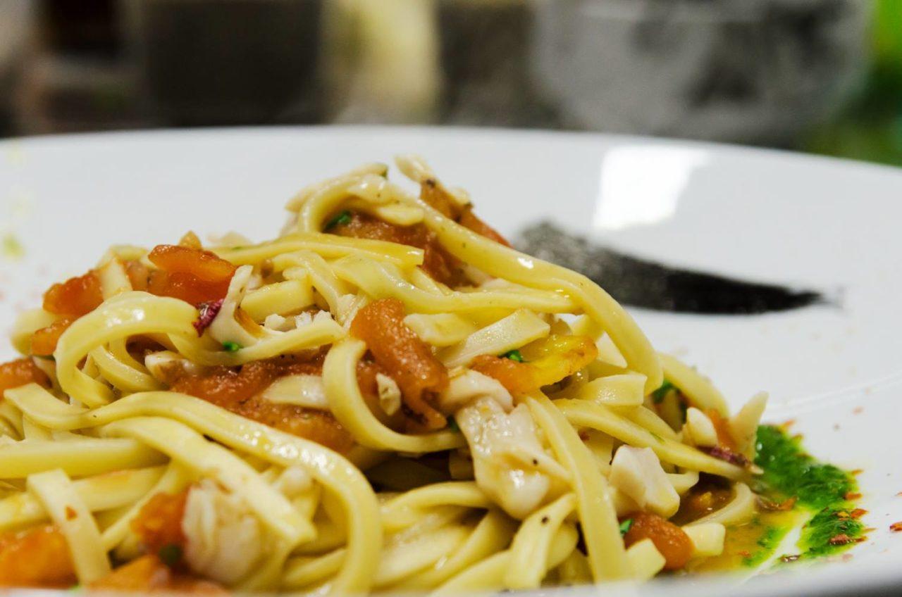 ristorante con primi di mare sullo Ionio