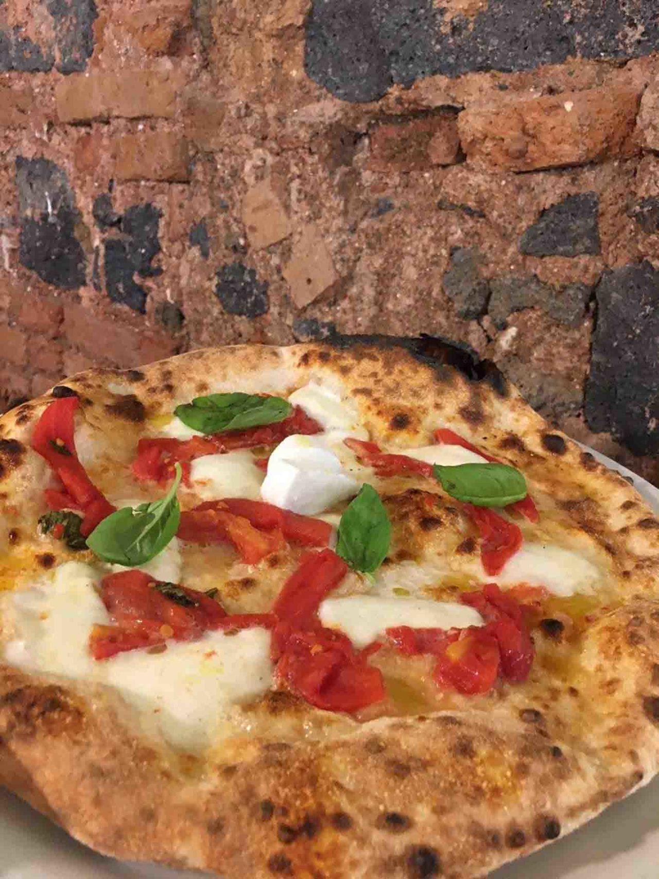 pizzeria Borghetto Santa Caterina Catania pizza margherita