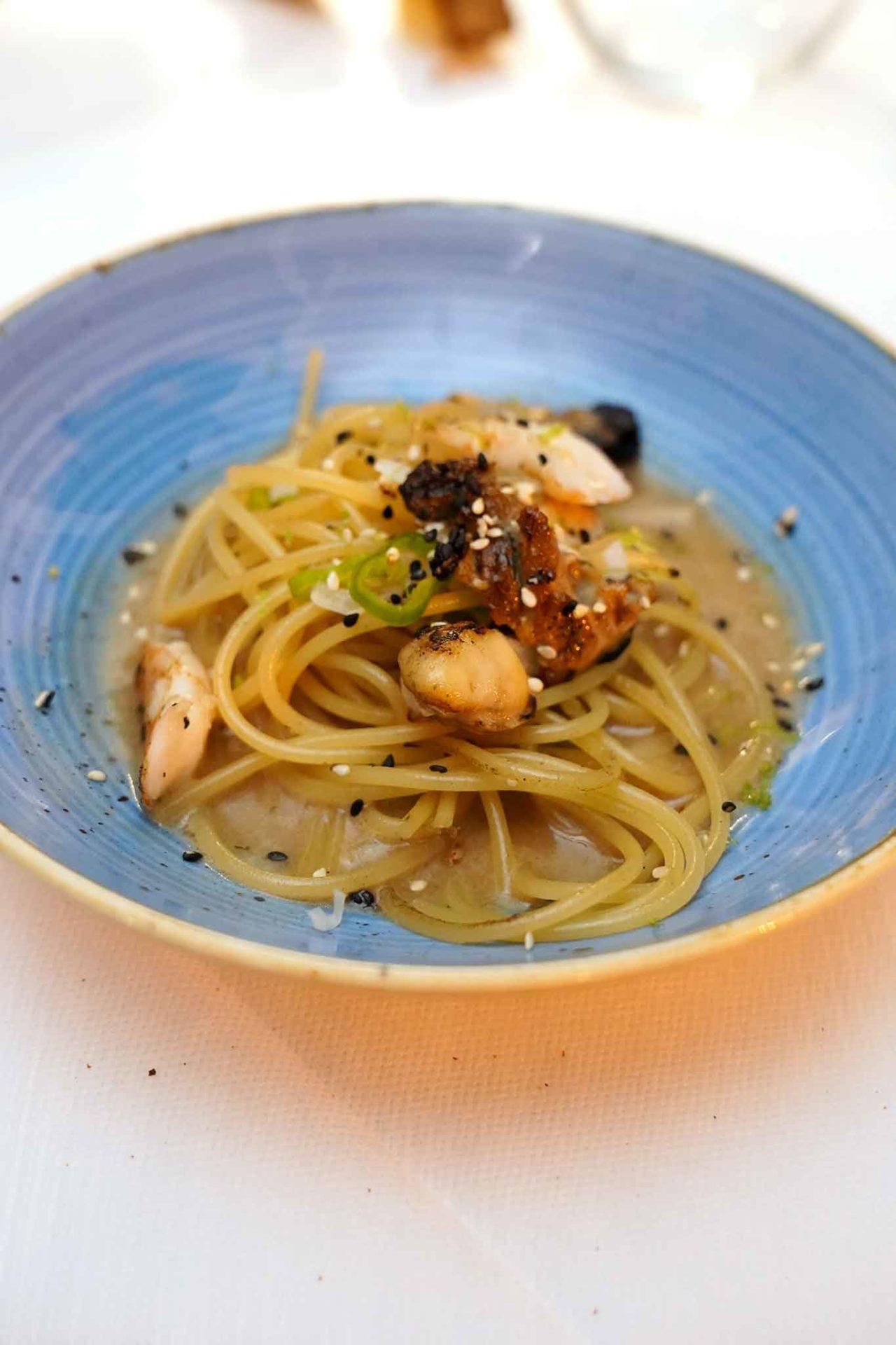 ramen aglio olio peperoncino ostriche alla brace mazzancolle Antonio Iacoviello