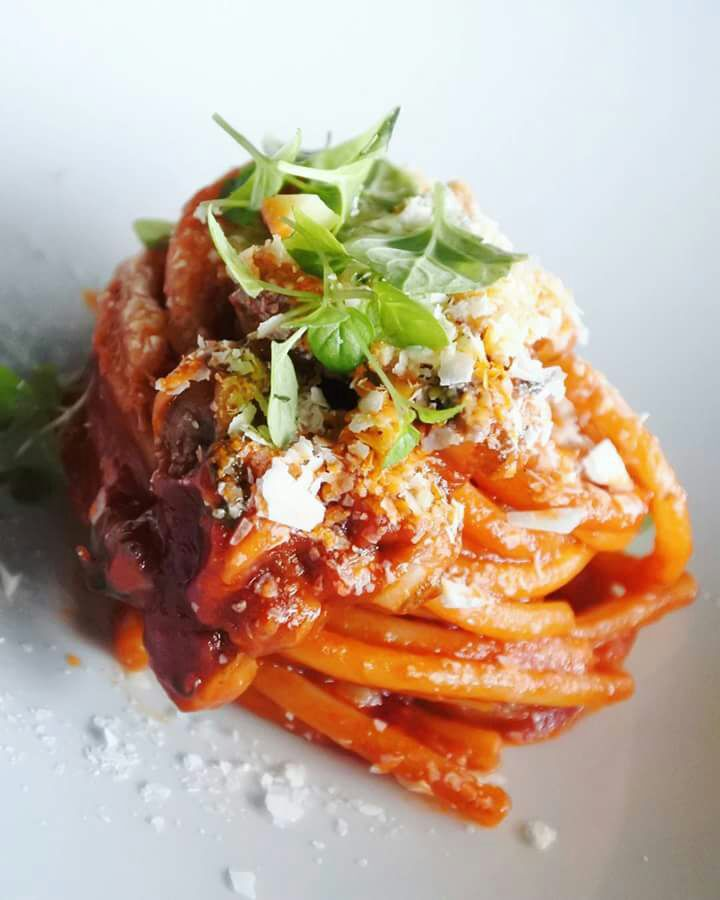 spaghetti Gerardo Di Nola con il pomodoro omaggio a Giovanni Assante di Lino Scarallo