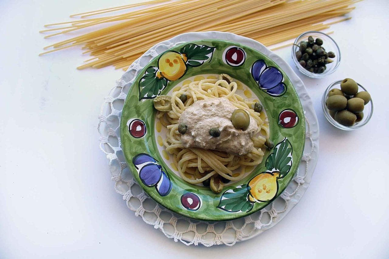spaghetti con crema di tonno ricetta