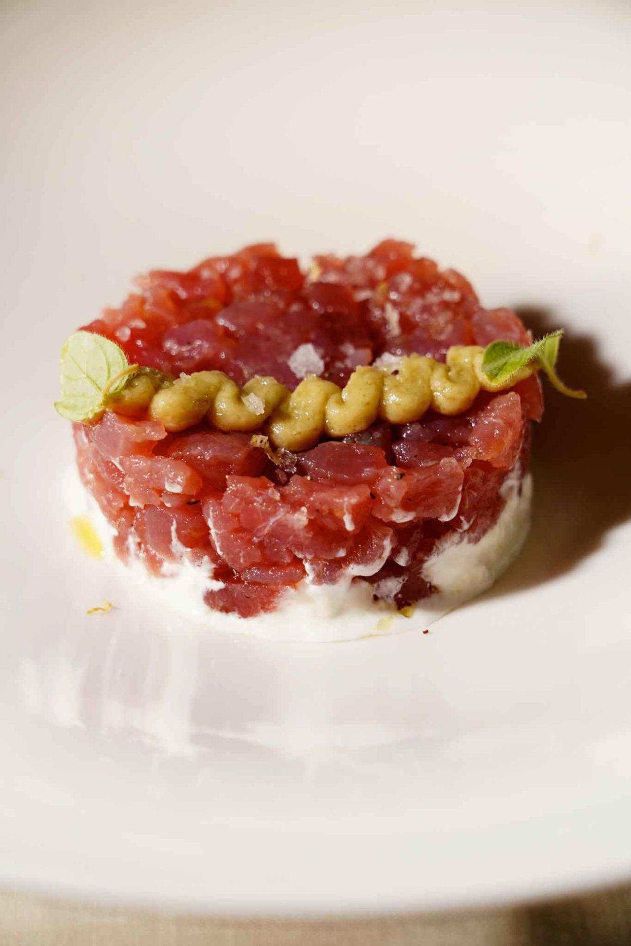 tartare di tonno Locanda le Tre Sorelle Casal Velino ristorante di pesce di Franca Feola