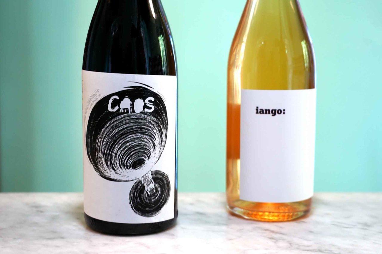 vino della casa Cantina Nicola Bianco Caos rosso e Iango bianco