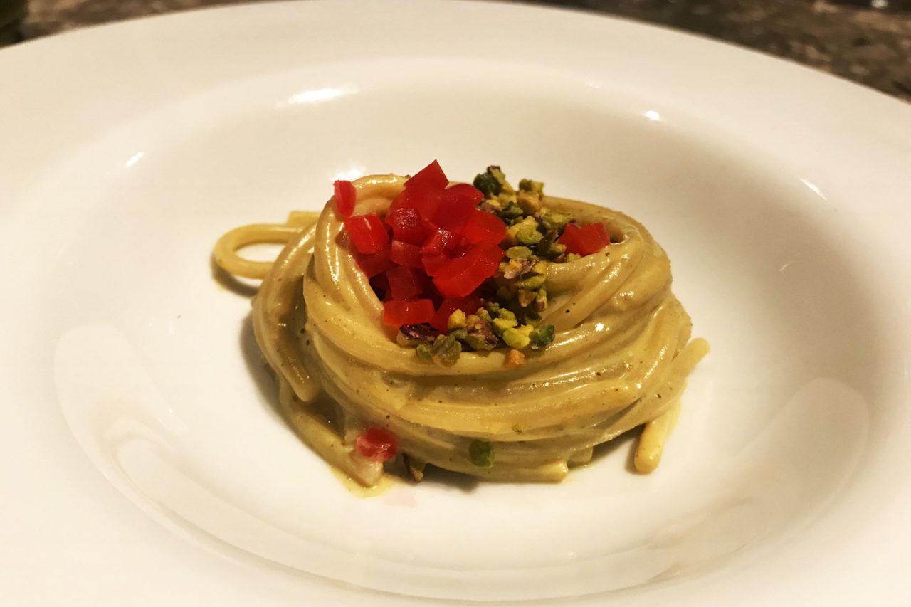 spaghetti al pistacchio e ravanelli Berton al Lago