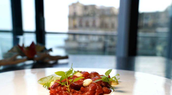 Come una braciola ristorante Palazzo Petrucci Napoli Lino Scarallo