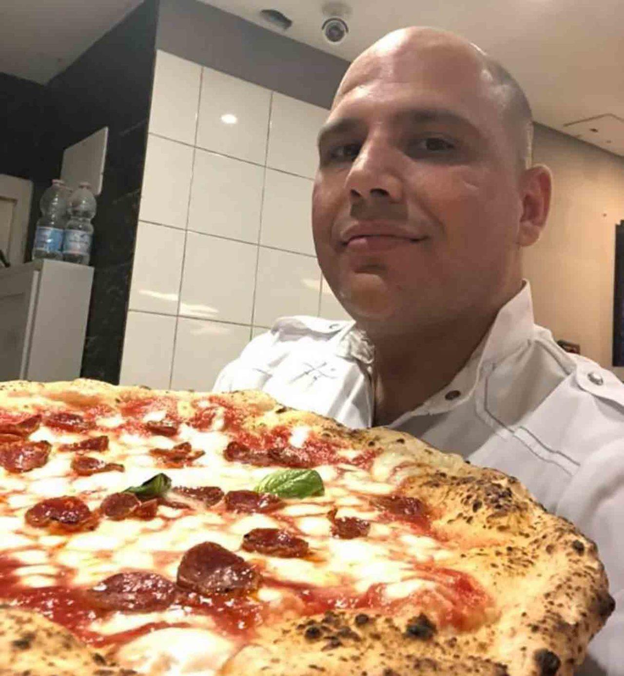 Gennaro Rapido e la pizza a rot' 'e carrett'