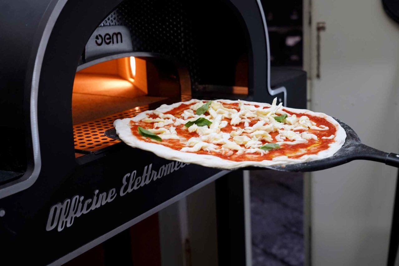 Gina Pizza da asporto margherita forno elettrico Dome