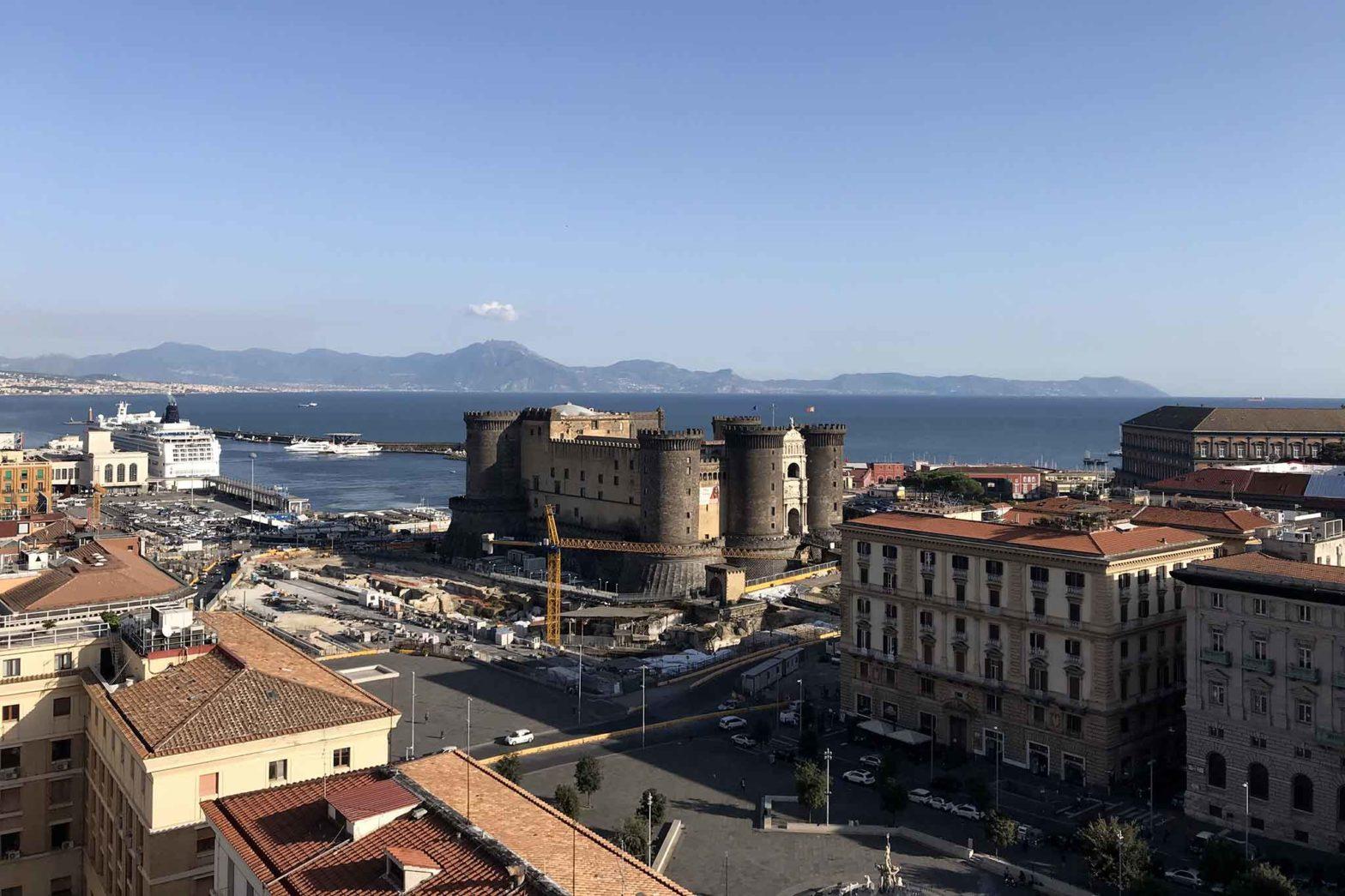 Napoli panorama Maschio Angioino