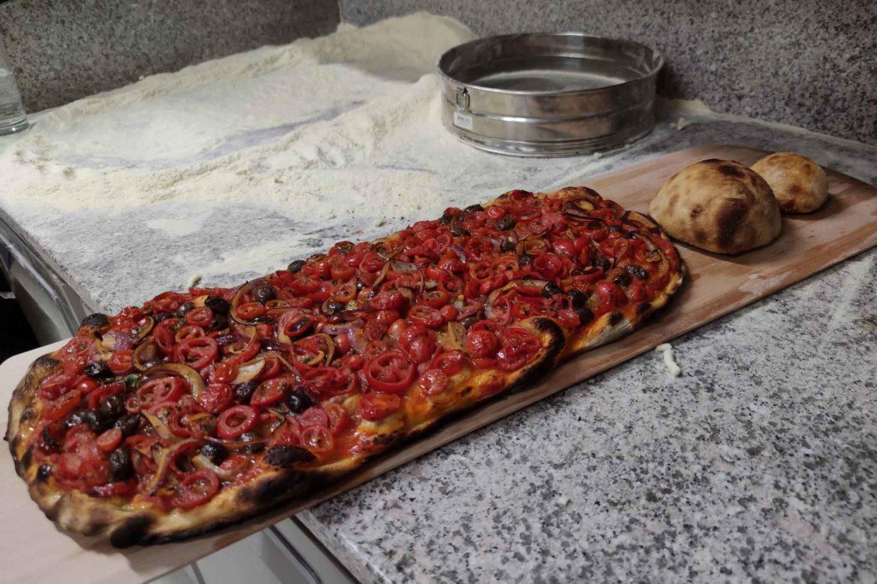 pizza vegana con salsa Cesanese di Elettroforno Frontoni