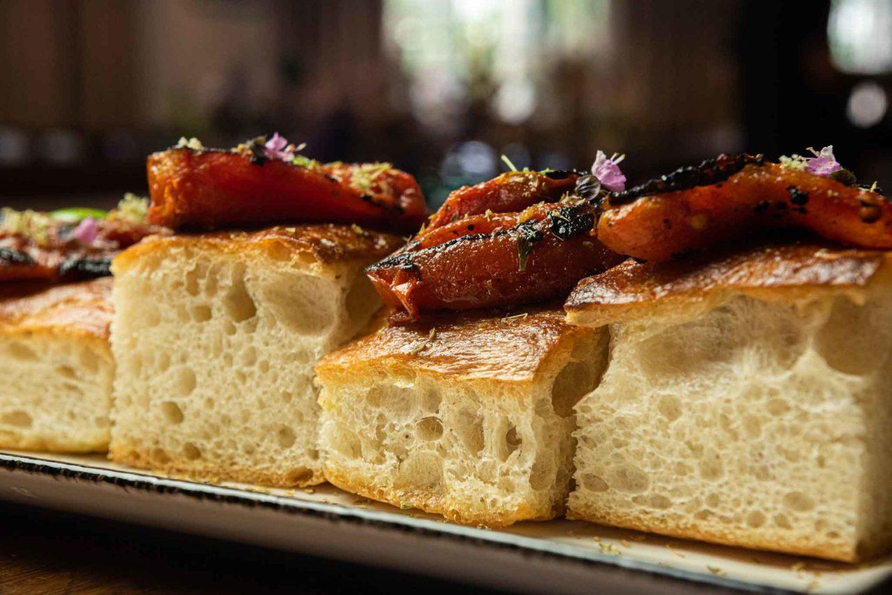 focaccia con pomodorini appassiti pastificio sanlorenzo