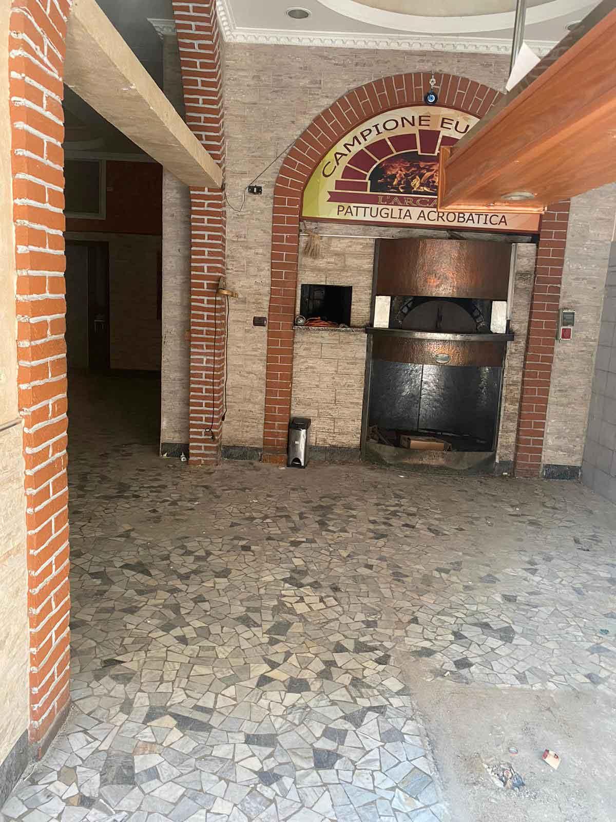 nuova pizzeria Gennaro Rapido Milano interno