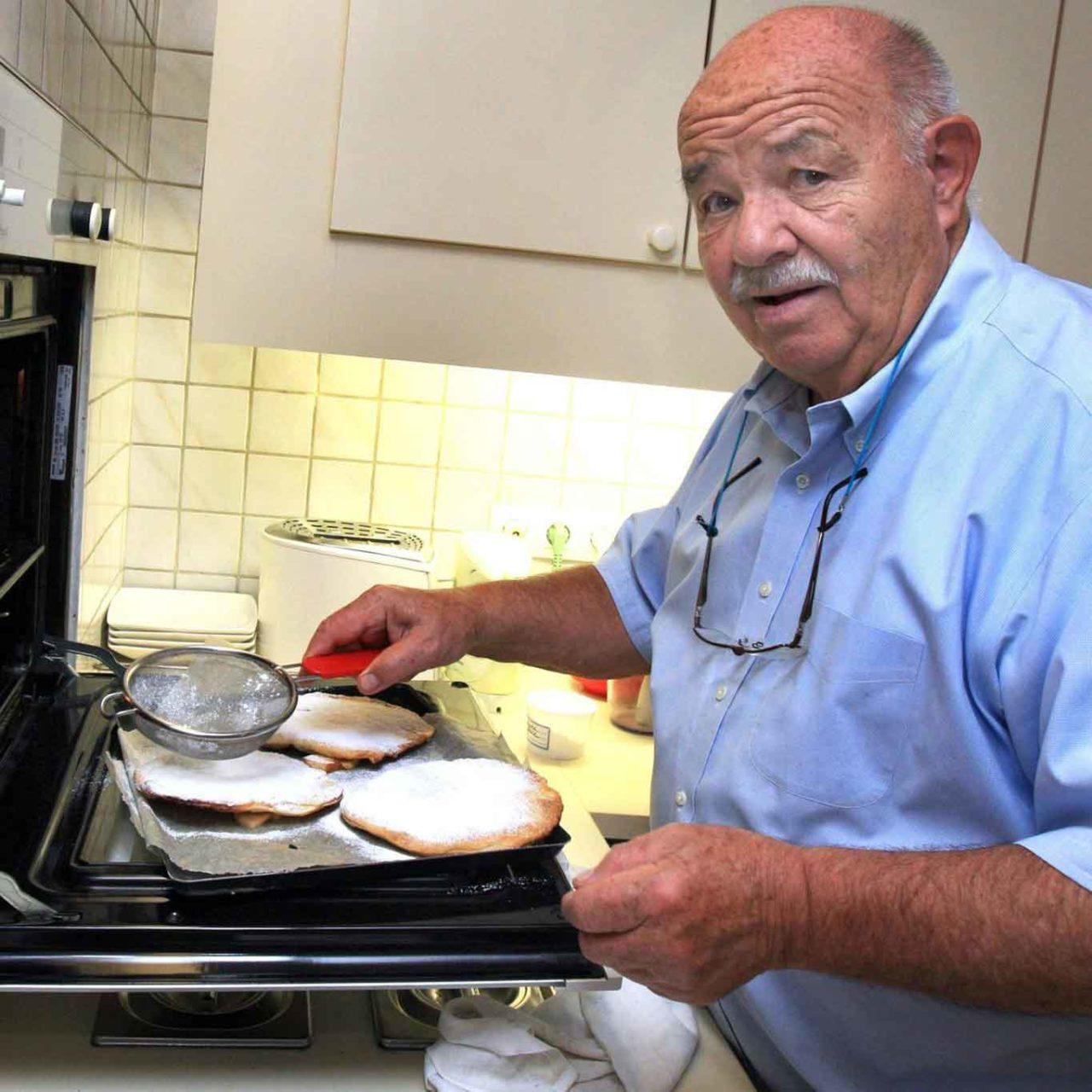 Pierre Troisgros in cucina