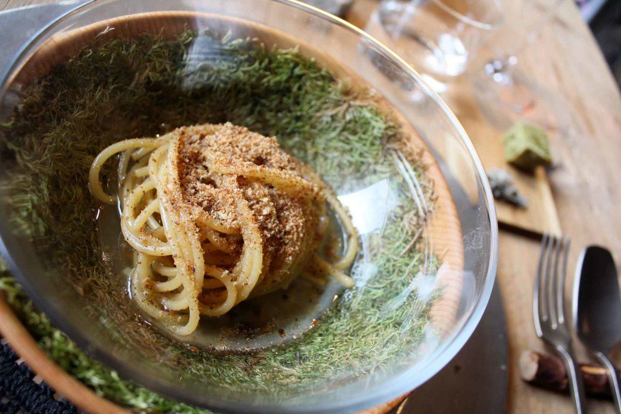 spaghetti al pino mugo SanBrite ristorante Cortina d'Ampezzo
