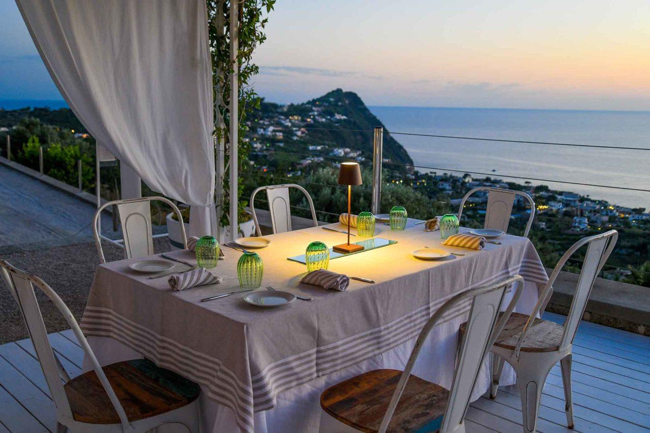 giovane cucina a Ischia: C'est la vie