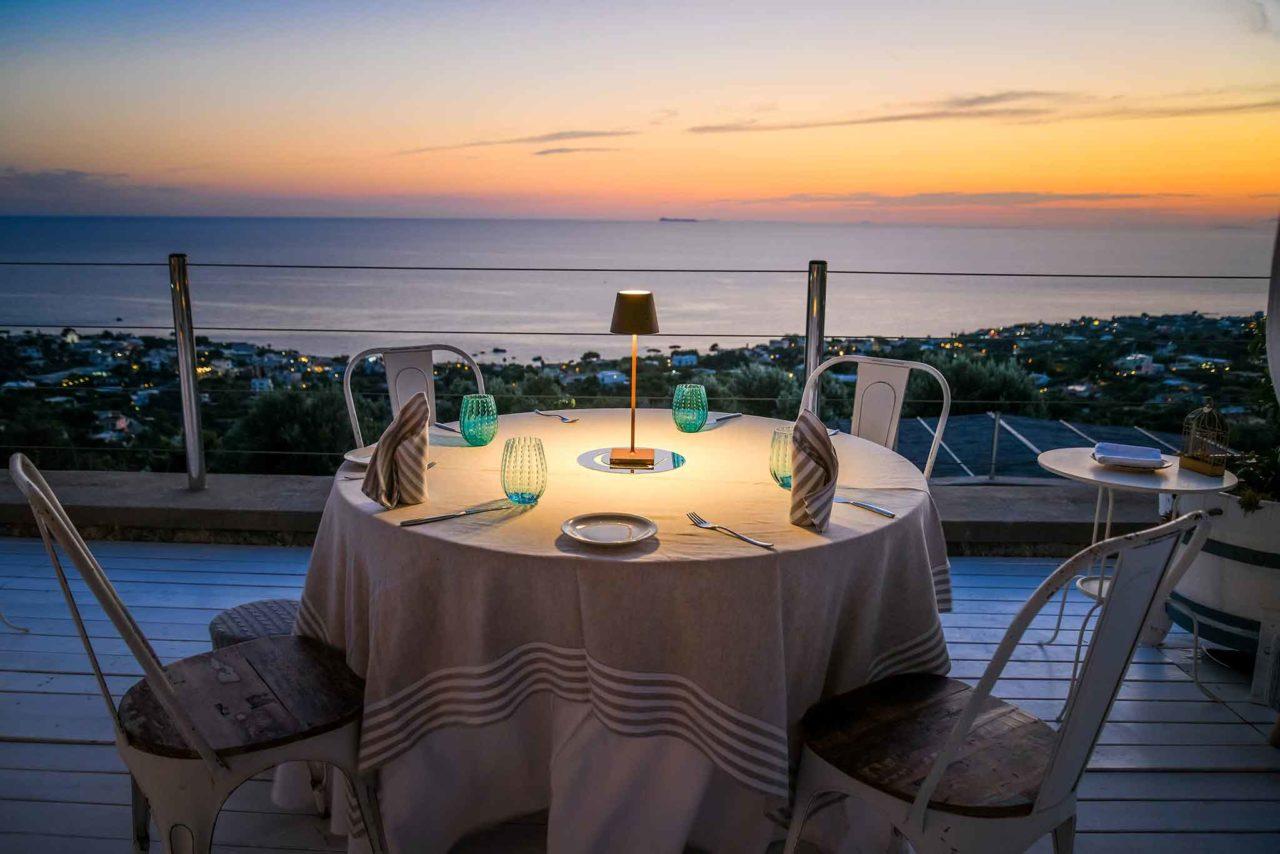 Ristorante Tenuta C'est la Vie Ischia tavolo panorama