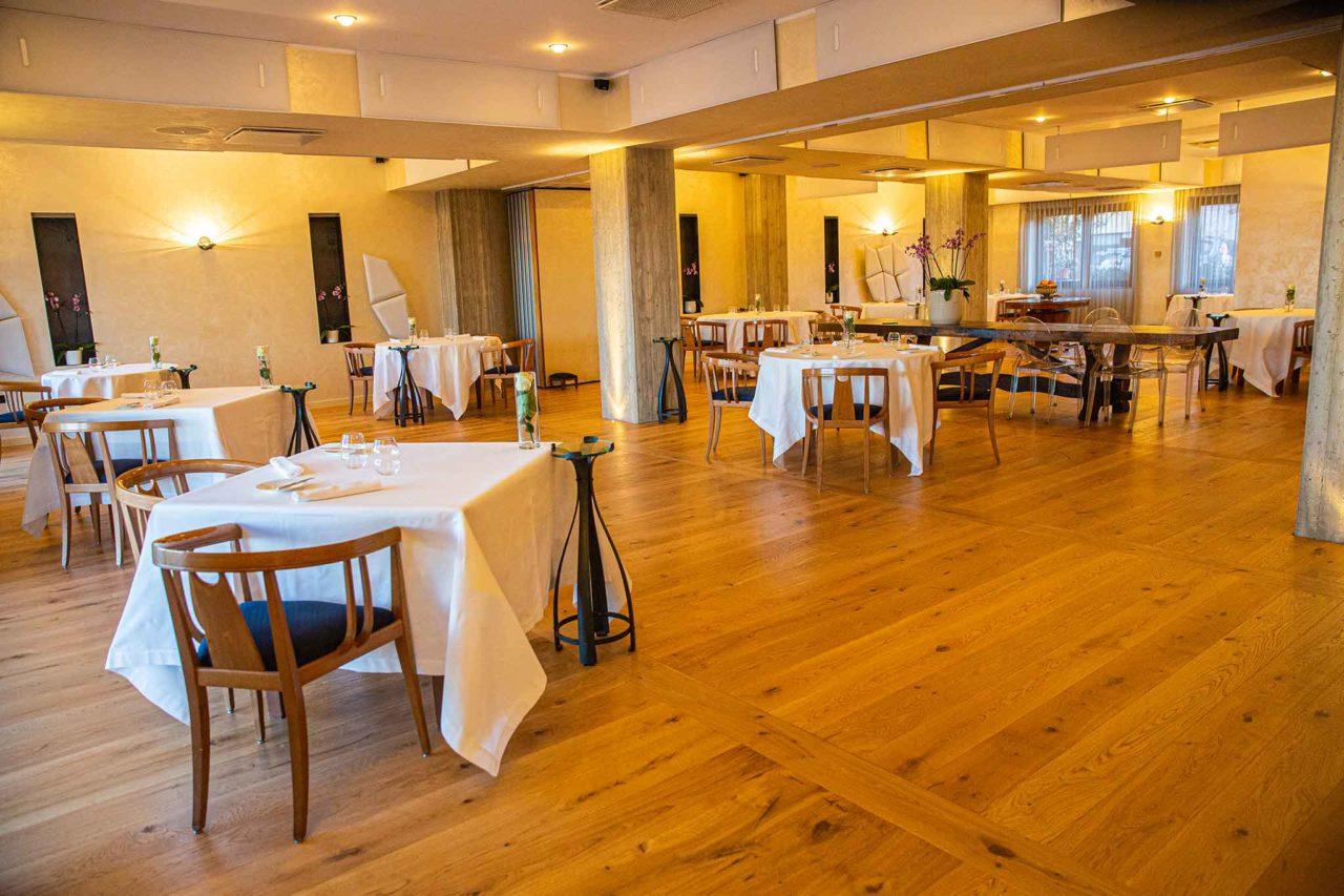 Villa Maiella sala ristoranti con albergo