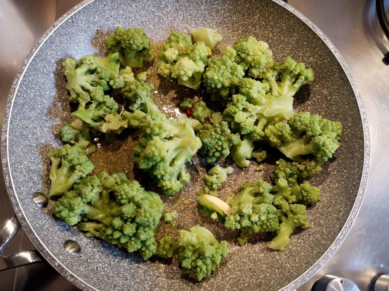 broccolo romanesco padella