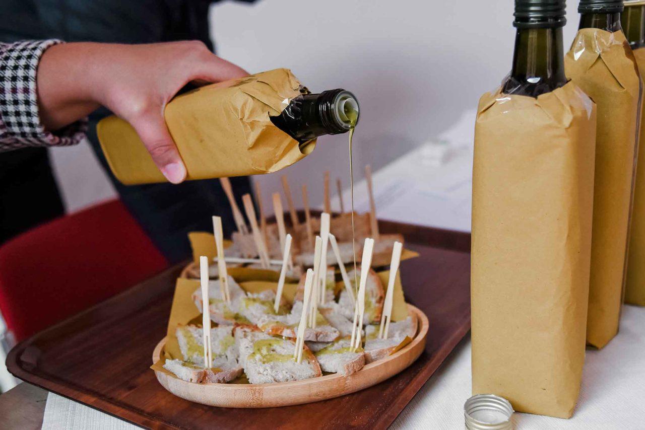 degustazione olio extravergine di oliva prodotti tipici del Cilento