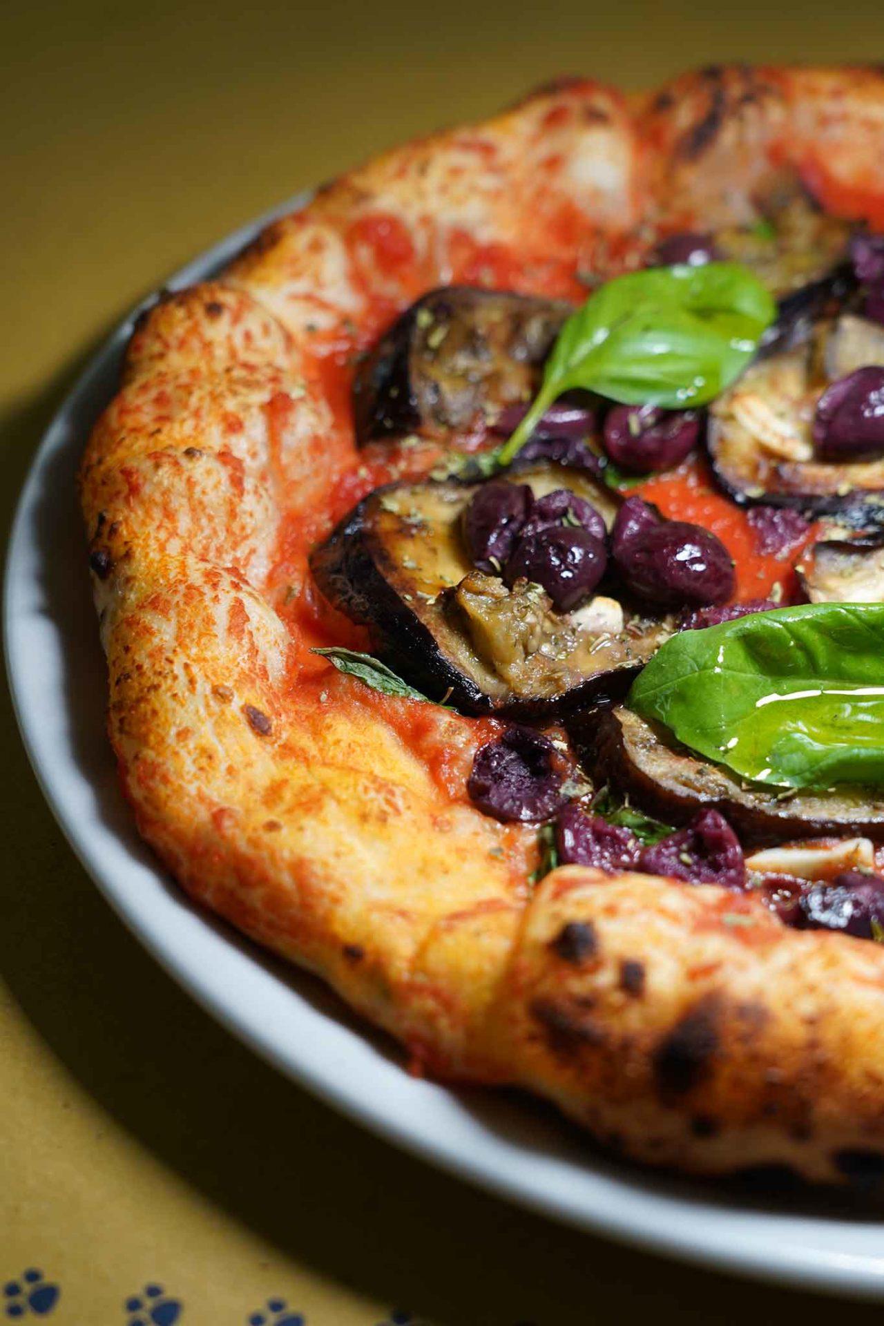 pizza vegetariana Marinara di Greta pizzeria La Gatta Mangiona Roma
