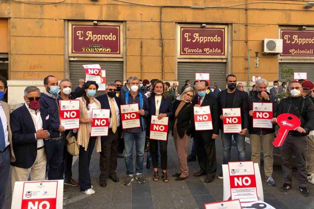 proteste ristoratori Napoli