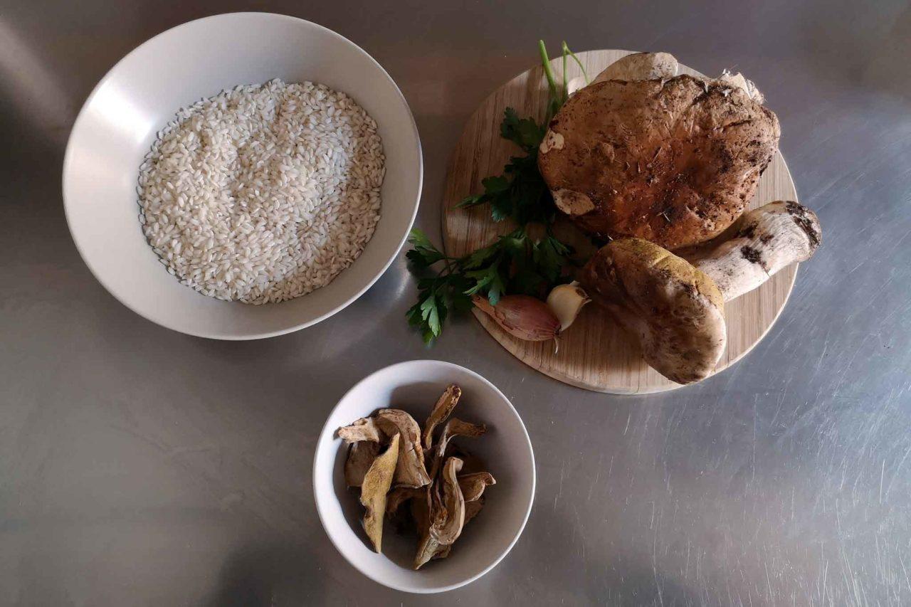 ingredienti base per il risotto con i funghi porcini