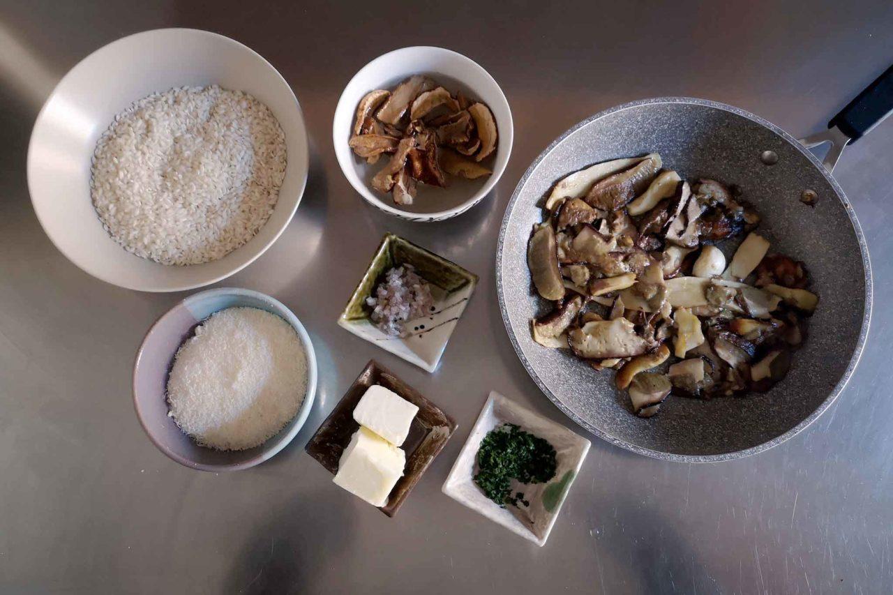 ingredienti per il risotto con i funghi porcini