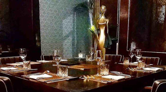 un solo tavolo al ristorante Grand Love Milano