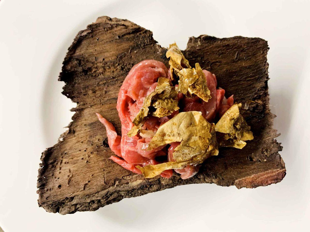 bistecca primitiva a domicilio del ristorante stella Michelin L'Imbuto